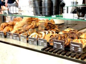 コペンハーゲンパン屋,コペンハーゲン食事,デニッシュ,パン,コペンハーゲンテイクアウト,コペンハーゲン食べ歩き